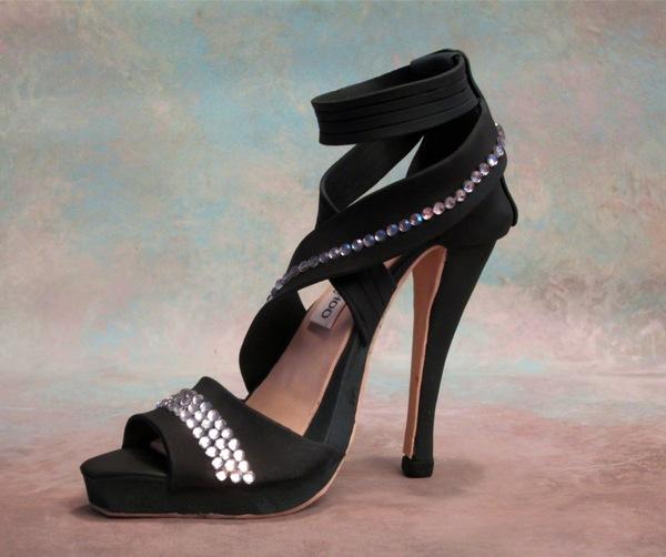 Iris black shoe
